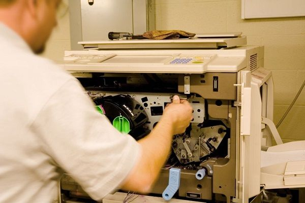 چه زمانیتعمیر کاغذکش دستگاه کپی زیراکس ضروری می شود؟