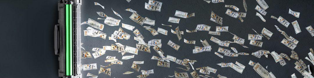 عکس شاخص صفحه قیمت کارتریج - تصویر یک کارتریج در حال مکش پول و دلار مانند حارو برقی - نمادی از ارزش و قیمت پرینتر - عکس استفاده شده در سایت الوکارتریج aloocartridge.com